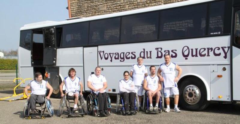 Autocar pour personnes handicapées - Voyages du Bas Quercy - eqvbq