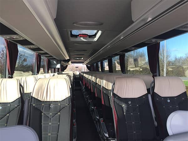 couloir autocar voyages du bas quercy